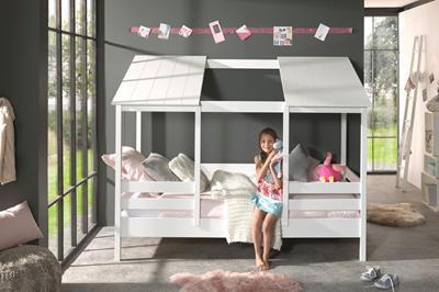 Huisbed met wit dak met opening midden in gebruik 2