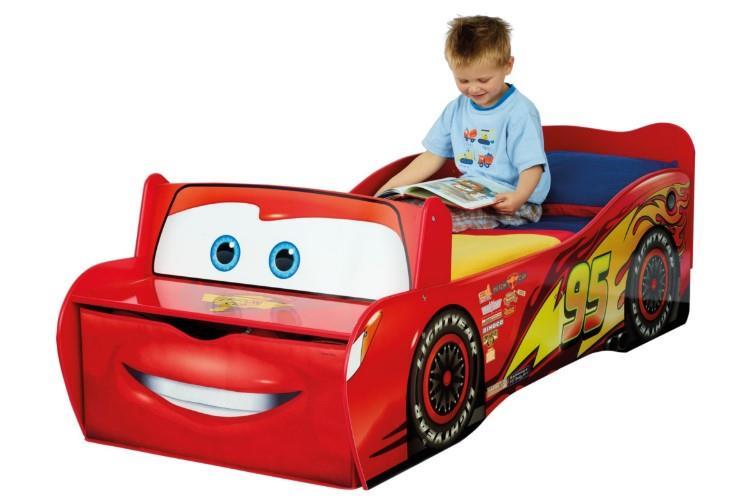 Disney CARS McQueen Autobed in gebruik